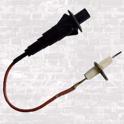 Пьезорозжиг. Элемент с кабелем и электродом.